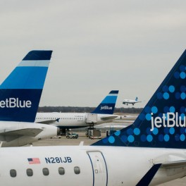 JetBlue woos other airline loyalty club members with free membership – latimes.com