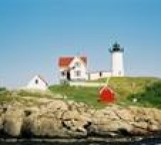 Maine Day Trip from Boston: Lobster Bake, Nubble Lighthouse and Kittery Outlets